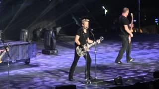 Nickelback - Trying Not To Love You Live At The O2 London, 1 Oct 2012