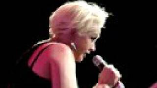 Cyndi Lauper - I'm Gonna Be Strong Live G-A-Y