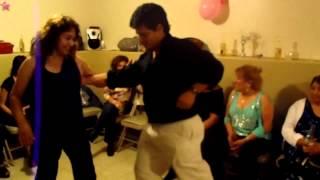 Miguel y Gio Bailando La Malanga