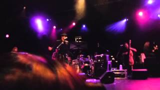 Draco Rosa - Divididos (Mama) (Live at Best Buy Theater, NY) 10.23.2013