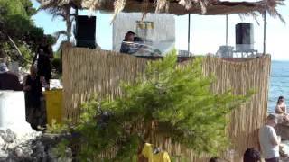 DJ Dekky @ SUNce BEAT 2 - Beach Stage, playin Kenny Bobien - Grateful