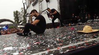 Gusttavo Lima chora no palco após homenagem a Cristiano Araújo e Allana Moraes (Ao Vivo)