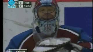 Sergei Fedorov beats Patrick Roy with a long range shot in game 7 (2002)