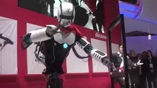 "Are ""Real Steel"" robots coming to life - 5G Humanoid robot mimics human movements"