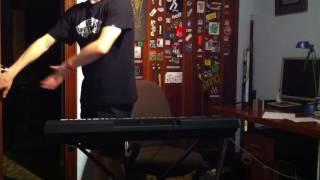 El basilon al piano.