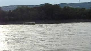 Busz a Dunaban.AVI