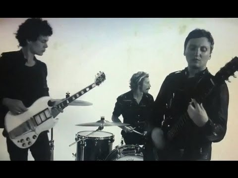 the-bloody-hollies-youre-so-cold-official-video-hd-my-little-underground-tv