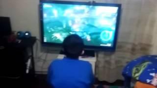 Mi amigo jugando batman arkham knight