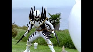 Power Ranger Dino Trueno | Trent vs Ranger Blanco Malvado
