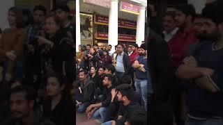 Ho Gayi Hai Peer Parvat Si Pighalni Chahiye