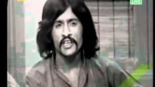 Attaullah Khan old song la laee tein mundri medi on PTV width=