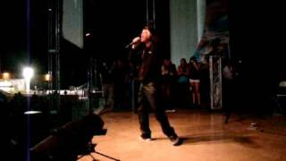 "Farruko ""Pa, Romper la Discoteka"" LIVE 2011"