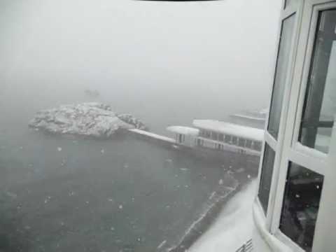 Первый снег 2012 в Утесе (Крым Алушта) гост Санта Барбара