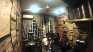 Saliva - I Walk Alone cover by Astray band