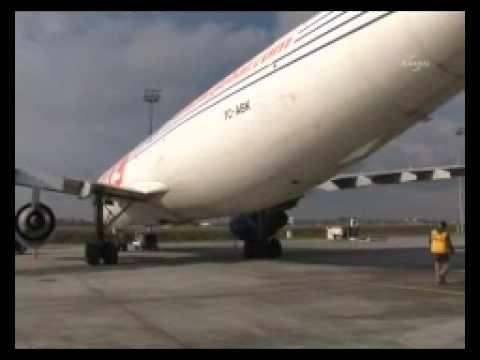 Kargo uçağı, apronda 1.5 ton altınla bekletiliyor