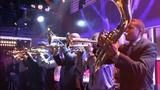 De minuut: Hypnotic Brass Ensemble - War - 27-1-2014