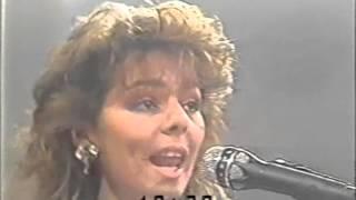 Sandra & Michael Cretu   Maria Magdalena Live at Desfile Del Siglo 1985