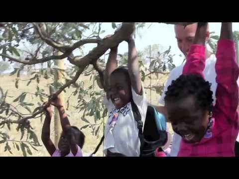 Bold Earth – Service with Orphanages, African Ceremonies and Incredible Wildlife!