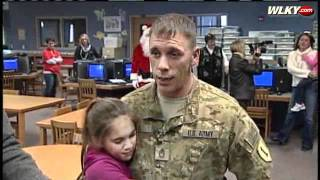 BEAUTIFUL VIDEO - Soldier Surprises Children At School!