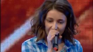Garota canta Sia Chandelier no X Factor, e convida sua amiga para dançar