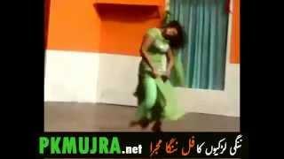 Sobia Khan hot Mujra in Green Dress