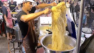 The Famous Bangkok Thailand Street Food Noodle - Huge Seafood and Dim sum Jompalang Noodle