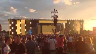 Armin Van Buuren LIVE @ Creamfields 2015 - Sun is Shining (W&W Remix)