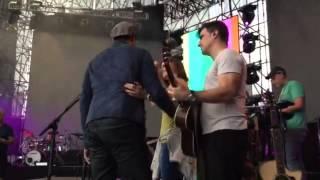 Chayanne llegando al ensayo para concierto Guatemala 2015