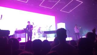 The 1975 a Change Of Heart live