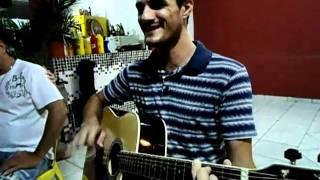 Rodrigo cantando Tim Maia e gal Costa - Dia de domingo