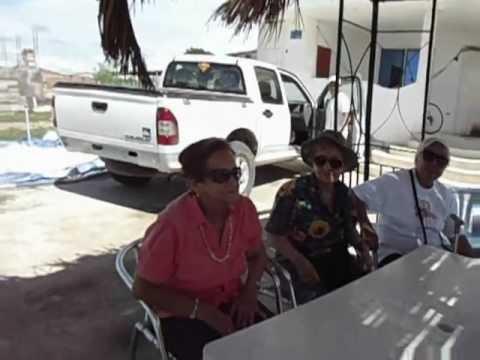 Familia en playa-Ecuador