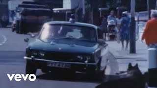 The Clash - (White Man) in Hammersmith Palais (Official Video)