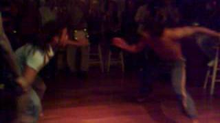 Capoeira show no EnZzO roda mista