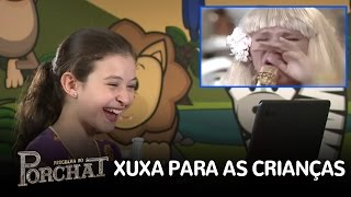 """Novos baixinhos se surpreendem com """"antiga"""" Xuxa"""
