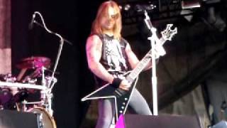 Bullet For My Valentine - Waking The Demon(Uproar 2011 Live @ Darien Lake)