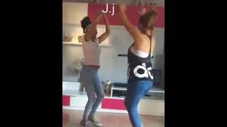 Gitanas bailando rumbas