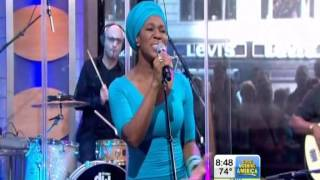 "India Arie ""Cocoa Butter"" live on GMA"