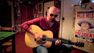 """Corey Smith Covers """"Let Her Cry"""" by Hootie and The Blowfish"""