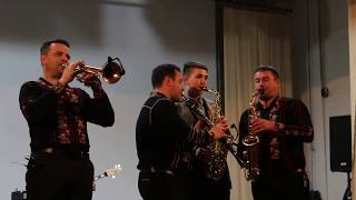 """Valentin Uzun și Orchestra """"Tharmis"""", alături de cimișlianul Marius Florică (saxofon) - Cimișlia."""