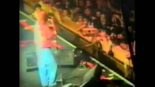 Los Redondos - Barba Azul versus el amor letal (En vivo, Sonido de consola)