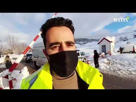 Video : Les soldats de la neige de la DPETLE mobilisés pour assurer la fluidité de la circulation à Ifrane