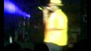 "Ne-Yo Performing ""When You're Mad"""