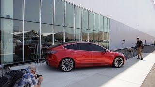 Tesla Raises Cash for Model 3 Launch