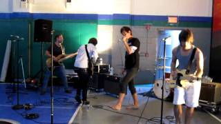 Vacations- Make Up Your Mind (Live@Rainbow's End Youth Center)