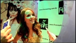Larissa Manoela canta Fugir Agora