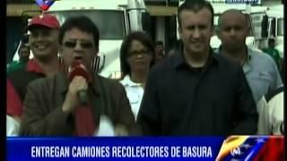 Entrega de camiones compactadores de basura en Aragua