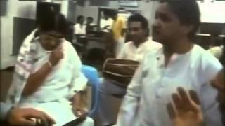 लता मंगेशकर हरी प्रसाद चौरसिया और शिव कुमार शर्मा के साथ अभ्यास