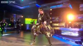 Dom Joly performs MC Hammer's 'U Can't Touch This' - Let's Dance for Comic Relief - BBC One