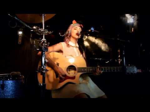 Melanie Martinez chords - Chordify