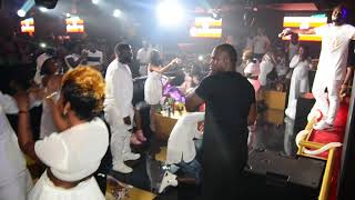 DAVID LUTALO DOING GUNSITULA LIVE INDUBAI ALL WHITE PARTY3RD EDITION 2017